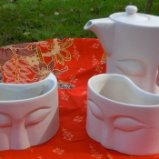 buddha-ceramic-cups-and-tea-pot