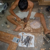 making-balinese-doors